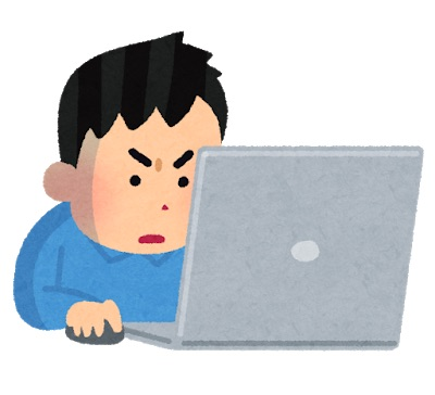 ゲーム実況動画を編集する男性